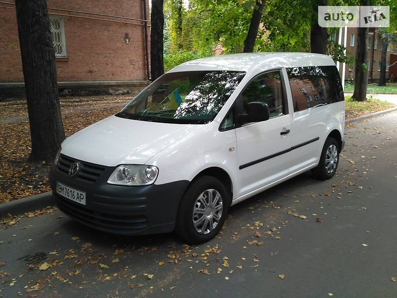 Volkswagen Caddy пасс. 2010 в Конотопе