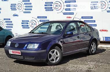 Седан Volkswagen e-Bora 2001 в Кривому Розі