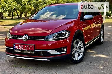 Универсал Volkswagen Golf Alltrack 2017 в Ровно