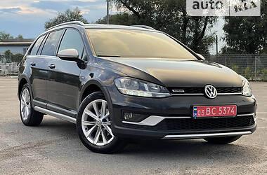 Универсал Volkswagen Golf Alltrack 2017 в Черновцах