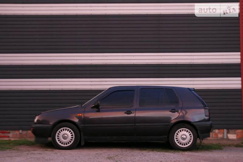 Volkswagen Golf 1992 года в Житомире