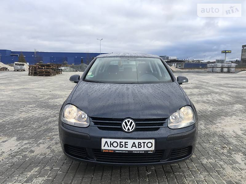 https://cdn1.riastatic.com/photosnew/auto/photo/volkswagen_golf-v__368845336f.jpg