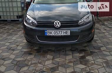 Хэтчбек Volkswagen Golf VI 2013 в Ровно