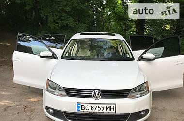 Седан Volkswagen Jetta 2014 в Львові
