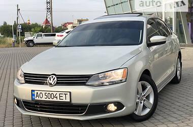 Седан Volkswagen Jetta 2011 в Ужгороде