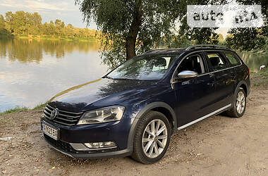 Универсал Volkswagen Passat Alltrack 2012 в Киеве