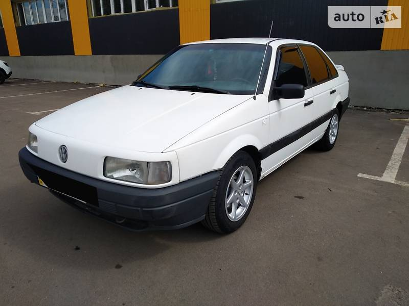 Седан Volkswagen Passat B3 1990 в Нежине