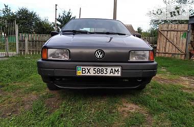 Седан Volkswagen Passat B3 1989 в Изяславе