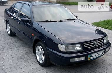 Седан Volkswagen Passat B4 1996 в Львове