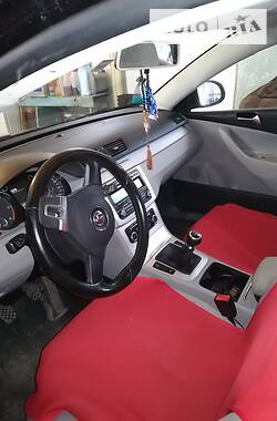 Унiверсал Volkswagen Passat B6 2010 в Хусті