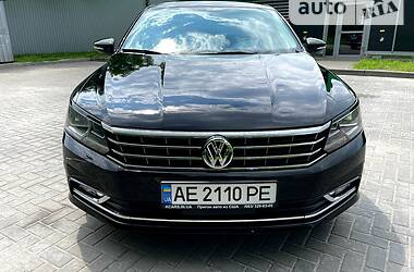 Седан Volkswagen Passat B7 2015 в Дніпрі