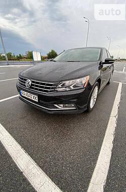 Седан Volkswagen Passat B7 2016 в Києві