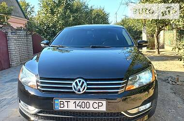 Седан Volkswagen Passat B7 2015 в Херсоне