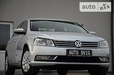 Седан Volkswagen Passat B7 2012 в Луцке