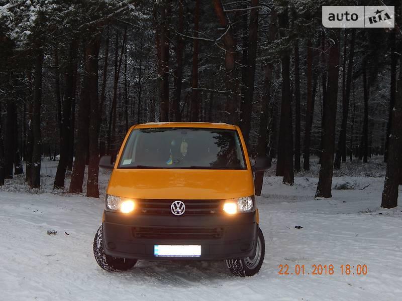 Volkswagen T5 (Transporter) пасс. 2013 в Львове