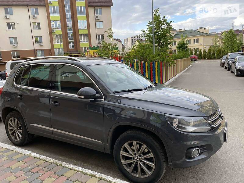 Позашляховик / Кросовер Volkswagen Tiguan 2014 в Софіївській Борщагівці