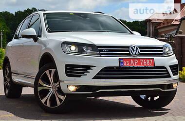 Позашляховик / Кросовер Volkswagen Touareg 2016 в Рівному