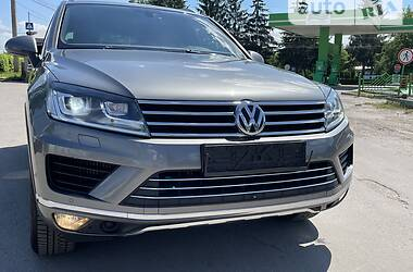 Позашляховик / Кросовер Volkswagen Touareg 2016 в Тернополі