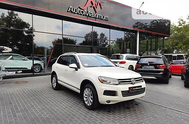 Внедорожник / Кроссовер Volkswagen Touareg 2012 в Одессе