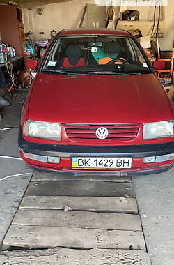 Хэтчбек Volkswagen Vento 1997 в Ровно