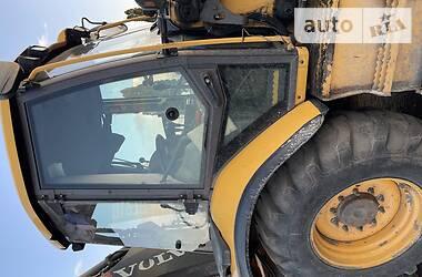 Экскаватор погрузчик Volvo BL 2011 в Киеве