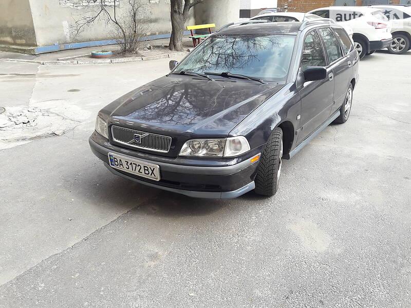 Унiверсал Volvo V40 1999 в Кропивницькому