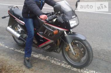 Yamaha FZ  1992