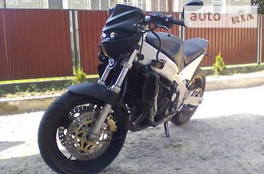 Yamaha FZR 2000