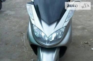 Yamaha Majesty 2005