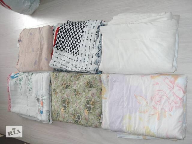 продам Одеяло ватиновое и подушки бу в Броварах