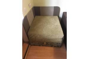 Раскладное кресло зеленого цвета