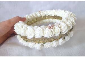 Блестящая подушечка для обручальных колец из роз айвори золото круглая LA BEAUTY Studio