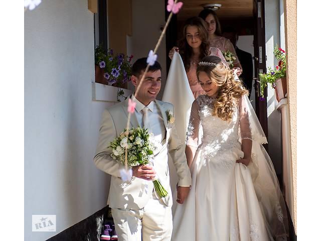 купить бу Красивая свадебное платье 2019 в Ровно