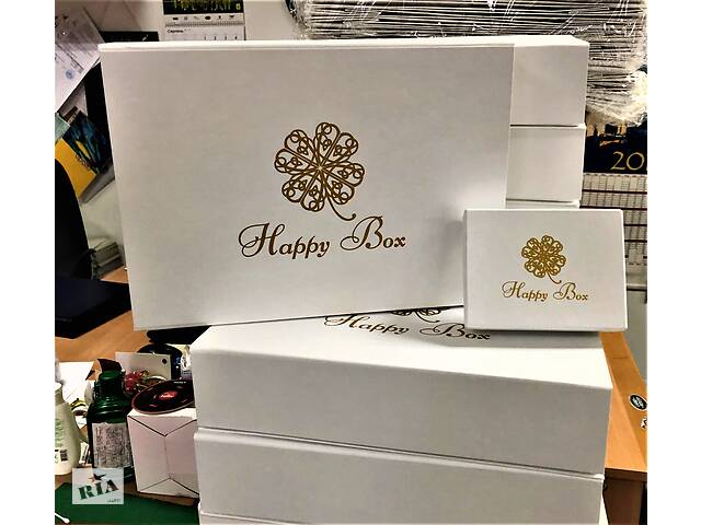 бу Подарункова коробка, Подарункова упаковка, Упаковка для подарунка, Упаковка для сукні, Коробка для весільного плаття. в Києві