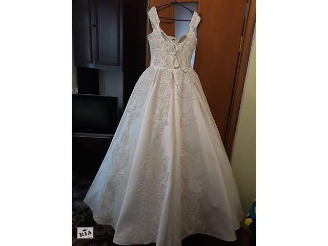 продам Весільне плаття  бу в Кицмани