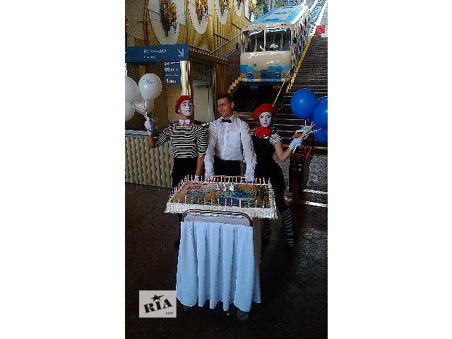 купить бу Аренда тележки для торта. Прокат тележек и возков для вывоза свадебных тортов в Киеве