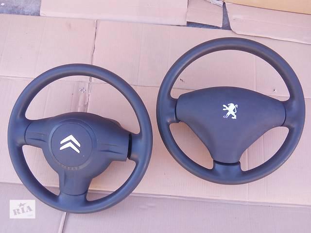 купить бу Б/у AirBag руль для легкового авто Peugeot 107 Citroen C1 в Луцке