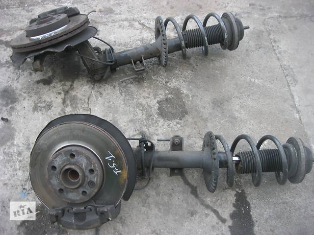 купить бу Б/у амортизатор передний Volkswagen T5 в Ровно