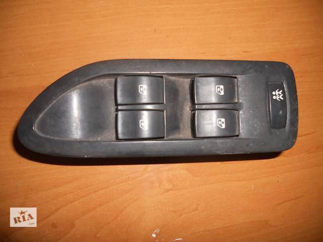 продам Б/у блок кнопок  для легкового авто Renault Trafic,Clio бу в Березному (Ровенской обл.)
