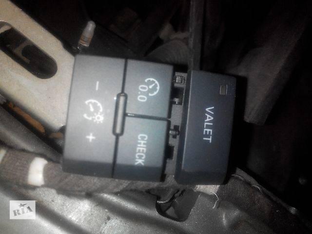 продам Б/у блок кнопок в торпеду для легкового авто Audi Q7 2008 бу в Львове