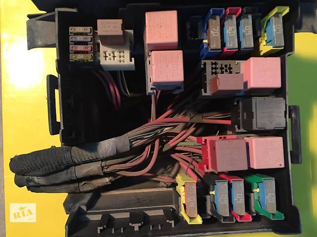 продам Б/у блок предохранителей для легкового авто Renault Trafic бу в Ковеле