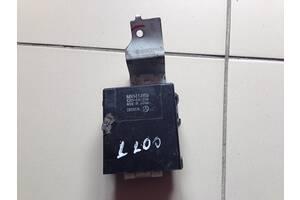 Б/у Блок управления задним стеклоподъемником Mitsubishi L200