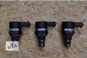 б/в Датчики тиску палива в рейці Lancia Delta