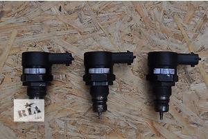 б/в Датчики тиску палива в рейці Lancia Musa