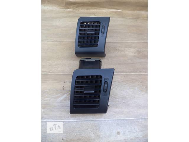 продам Б/у дефлектор центральный правый 55680-48050-C0 для кроссовера Lexus RX 350 2007г бу в Николаеве