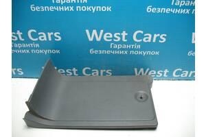 Б/У  Декоративная накладка левого сиденья 639 W639 Vito a6396600809. Лучшая цена!