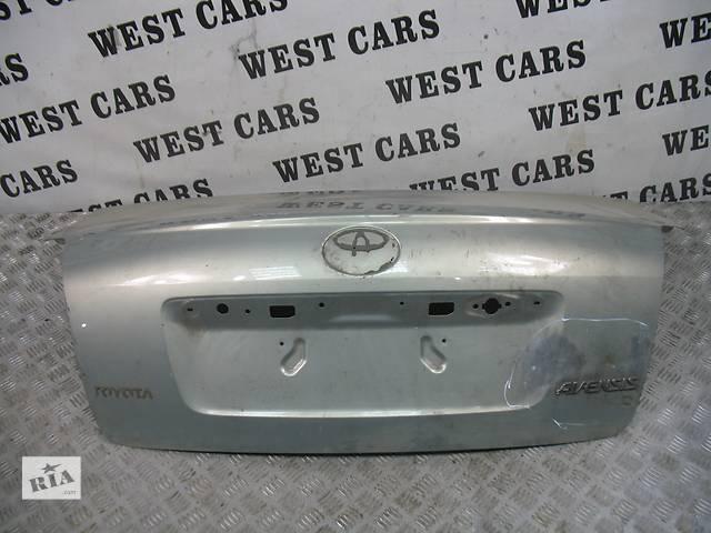 бу б/у Двери/багажник и компоненты Крышка багажника Легковой Toyota Avensis Sedan 2006 в Луцке