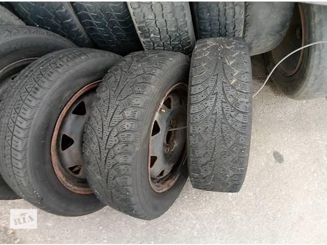 бу Б/у диск с шиной для легкового авто Audi 80 r14  4\108 в Николаеве