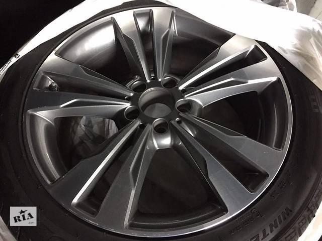 купить бу Б/у диск с шиной для легкового авто Mercedes S-Class 245/45/19 в Ужгороде