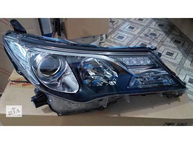 купить бу Б/у фара для легкового авто Toyota Rav 4 в Киеве